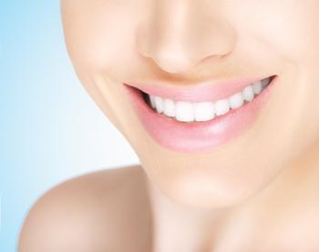 差し歯を白くしたい!差し歯にホワイトニングはできるのか?