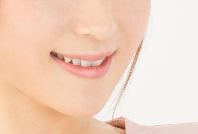 歯の色はどうして変わるの?歯の色コンプレックス解消法を紹介