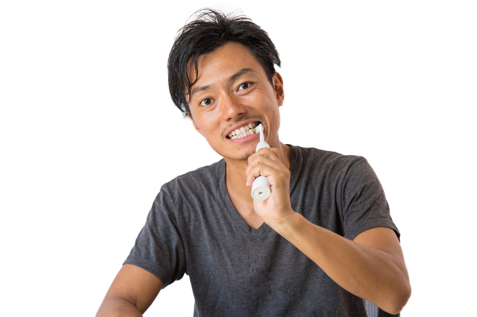 ホワイトニングにも効果がある?電動歯ブラシの使い方と選び方