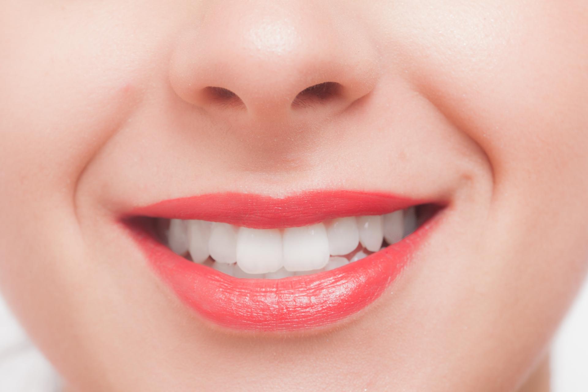 デュアルホワイトニングでとことん歯を白くする!特徴・デメリットを徹底解説!